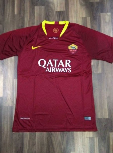 AS-Roma-Football-Jersey-And-Shorts-Home-18-19-Season-Front