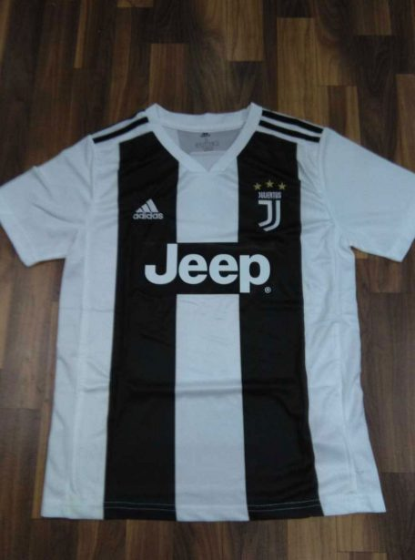 Juventus-Football-Jersey-And-Shorts-Home-18-19-Season-Front