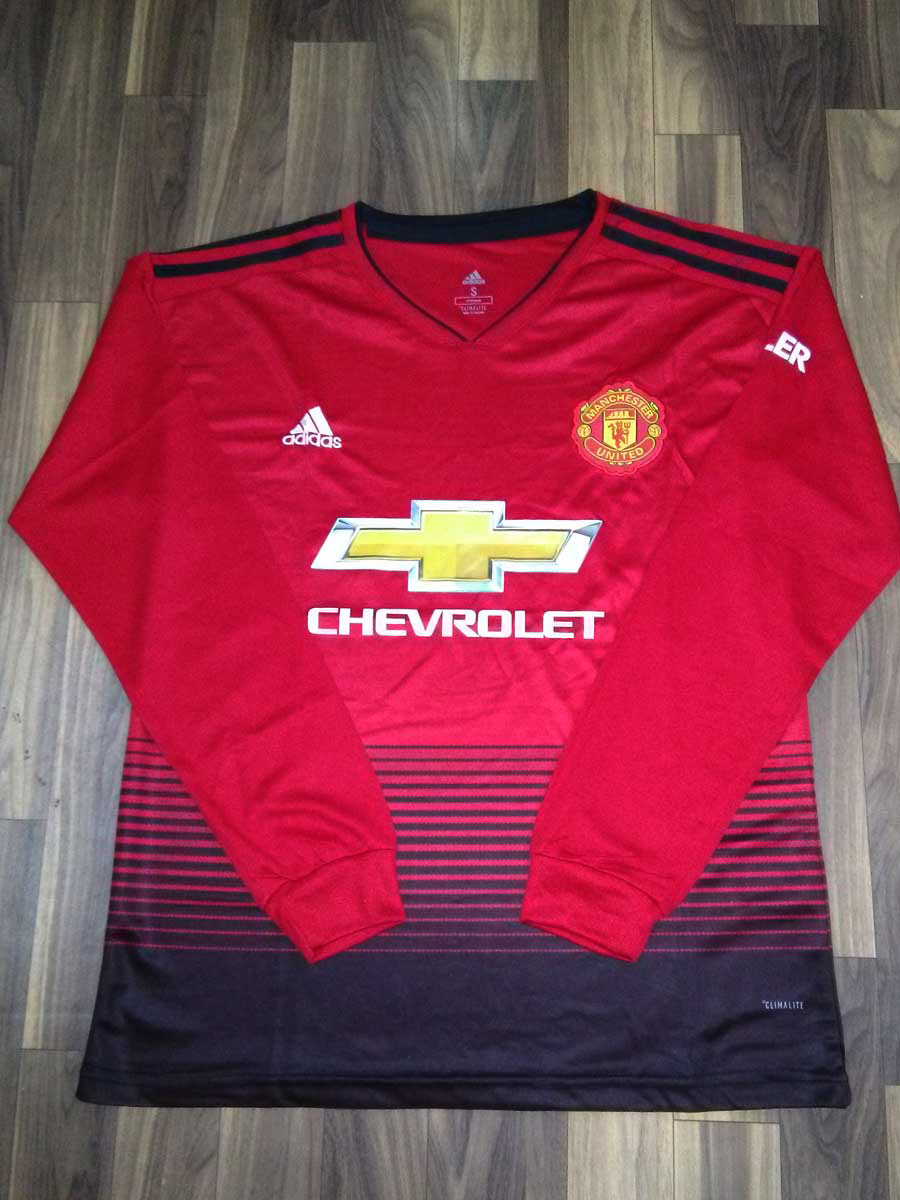 3e18ff1bd Manchester United Long Sleeves Football Jersey And Shorts Home 18 19 ...