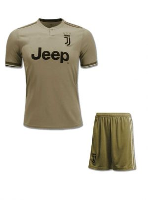 JuventusFootball-Jersey-And-Shorts-Away-18-19-Season