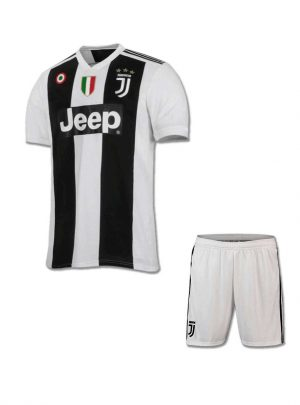 JuventusFootball-Jersey-And-Shorts-Home-18-19-Season-With-SCUDETTO-And-COPPA-ITALIA-Badge